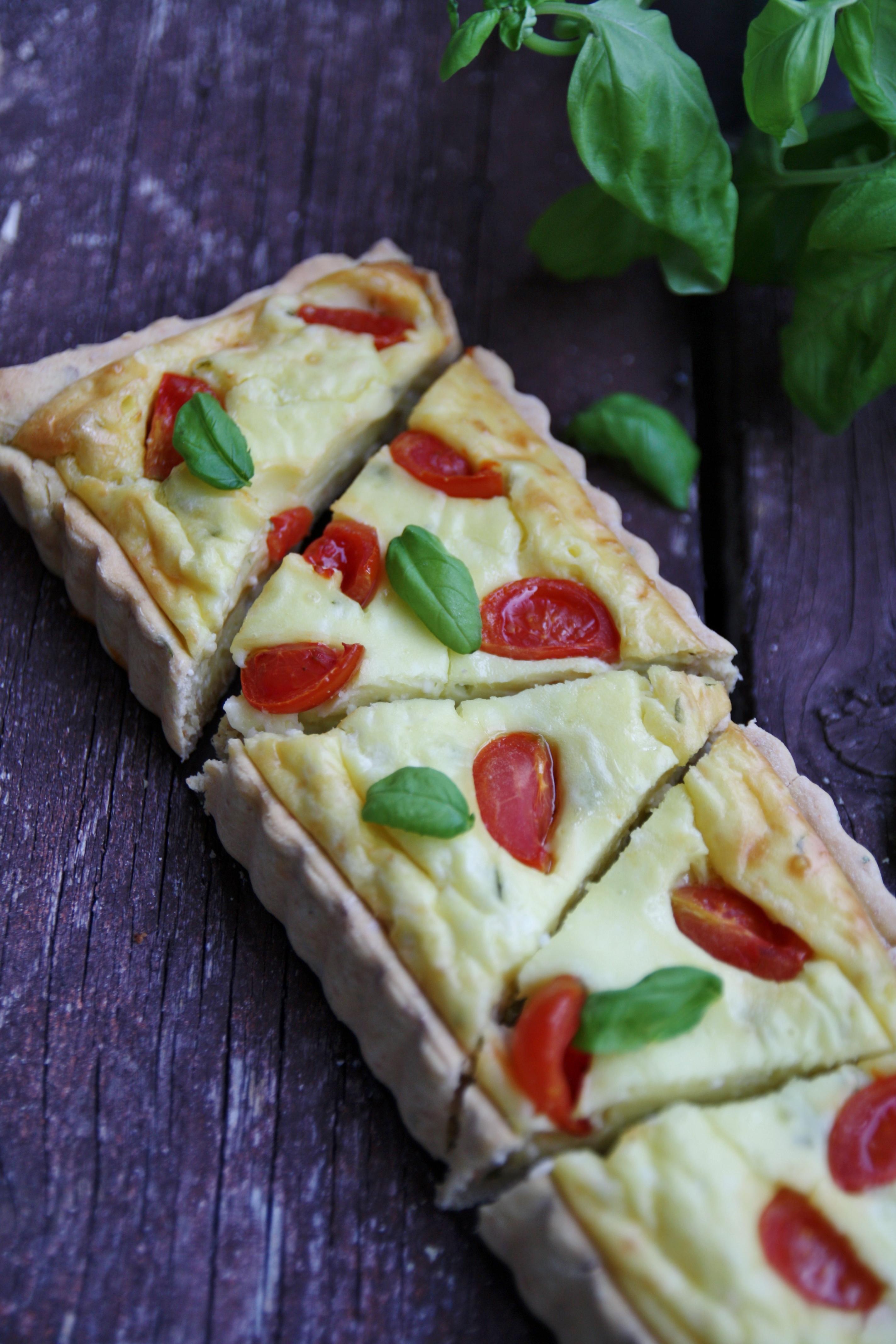 Ricette Con Yogurt Greco Salate.Torta Salata Allo Yogurt Greco Pomodorini E Basilico