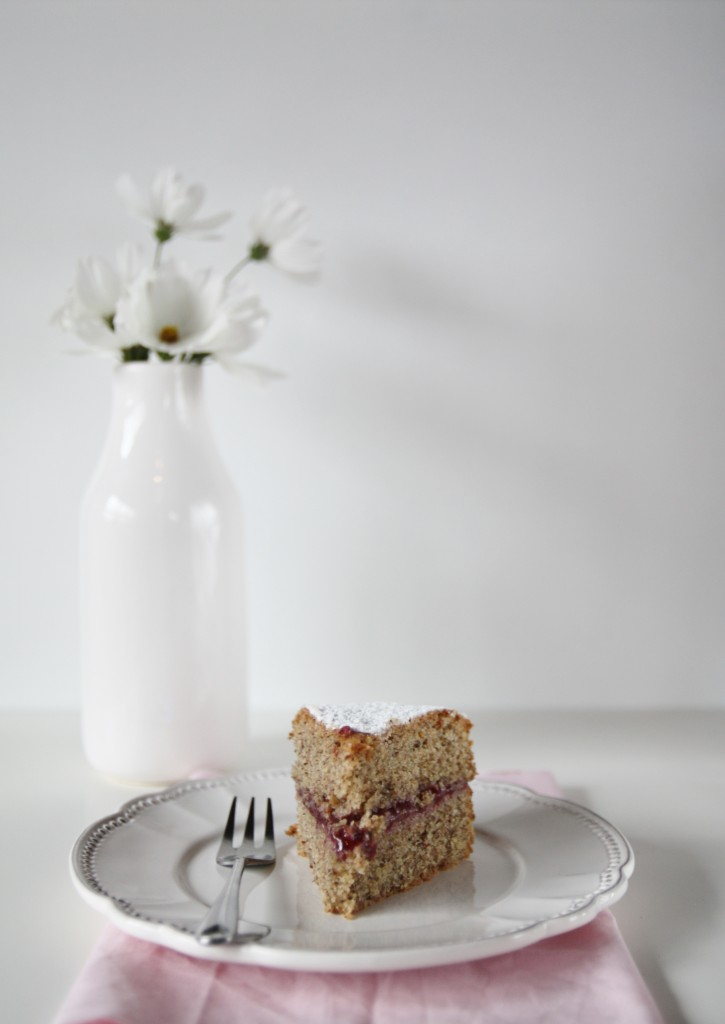 torta al grano saraceno e marmellata lamponi