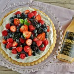 Torta allo yogurt aromatizzata al Bombardino, crema al mascarpone e frutti di bosco