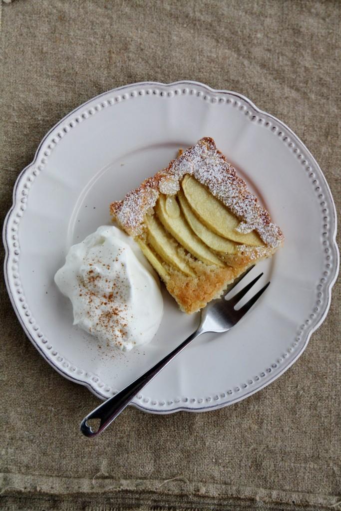 Torta olandese alle mele e mandorle