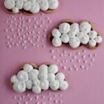 Nuvole di frolla con marmellata di lamponi e panna profumata alla vaniglia