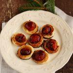 Mini tartellette di pomodorini con riduzione di aceto balsamico