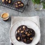 Cookies al cioccolato e nocciole