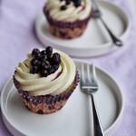 Cupcake ai mirtilli con cioccolato bianco