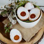Biscotti di frolla a forma di uova