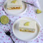 Dessert con mele verdi croccanti, mousse al cioccolato bianco e lime