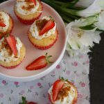 Mini cupcake cheesecake alle fragole
