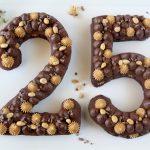 Number cake al cioccolato e arachidi