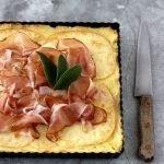 Torta di patate con scamorza affumicata e speck