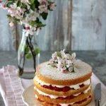 Naked cake panna e fragole
