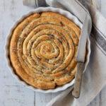Torta salata a spirale con prosciutto e scamorza affumicata